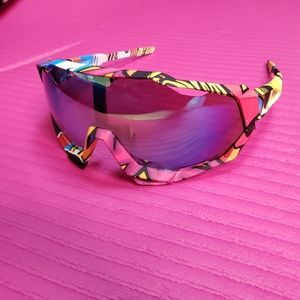 Unisex Wrap Sunglasses with Mirrored Lenses